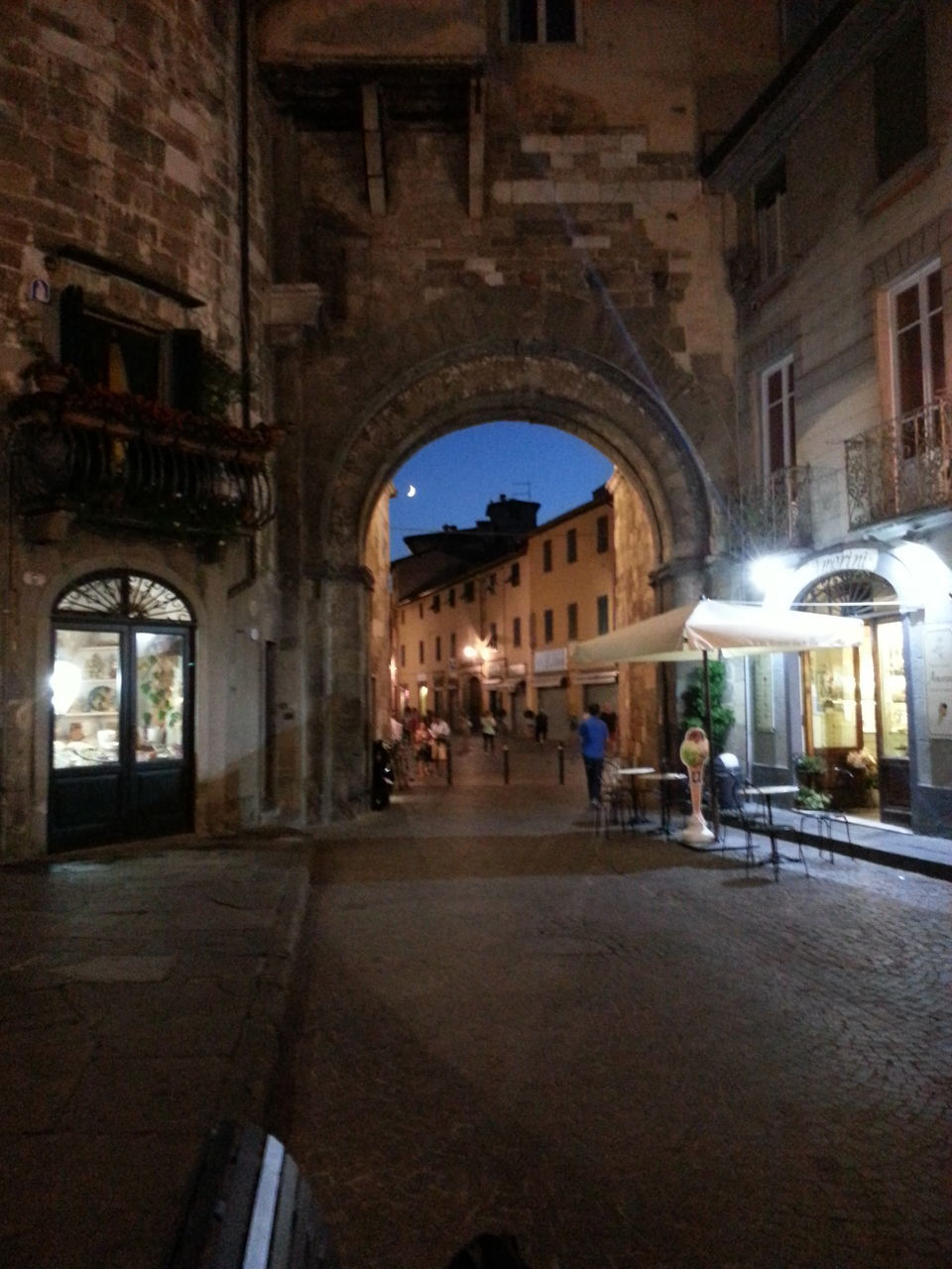 architecture, arch, built structure, history, illuminated, night, building exterior, outdoors, no people