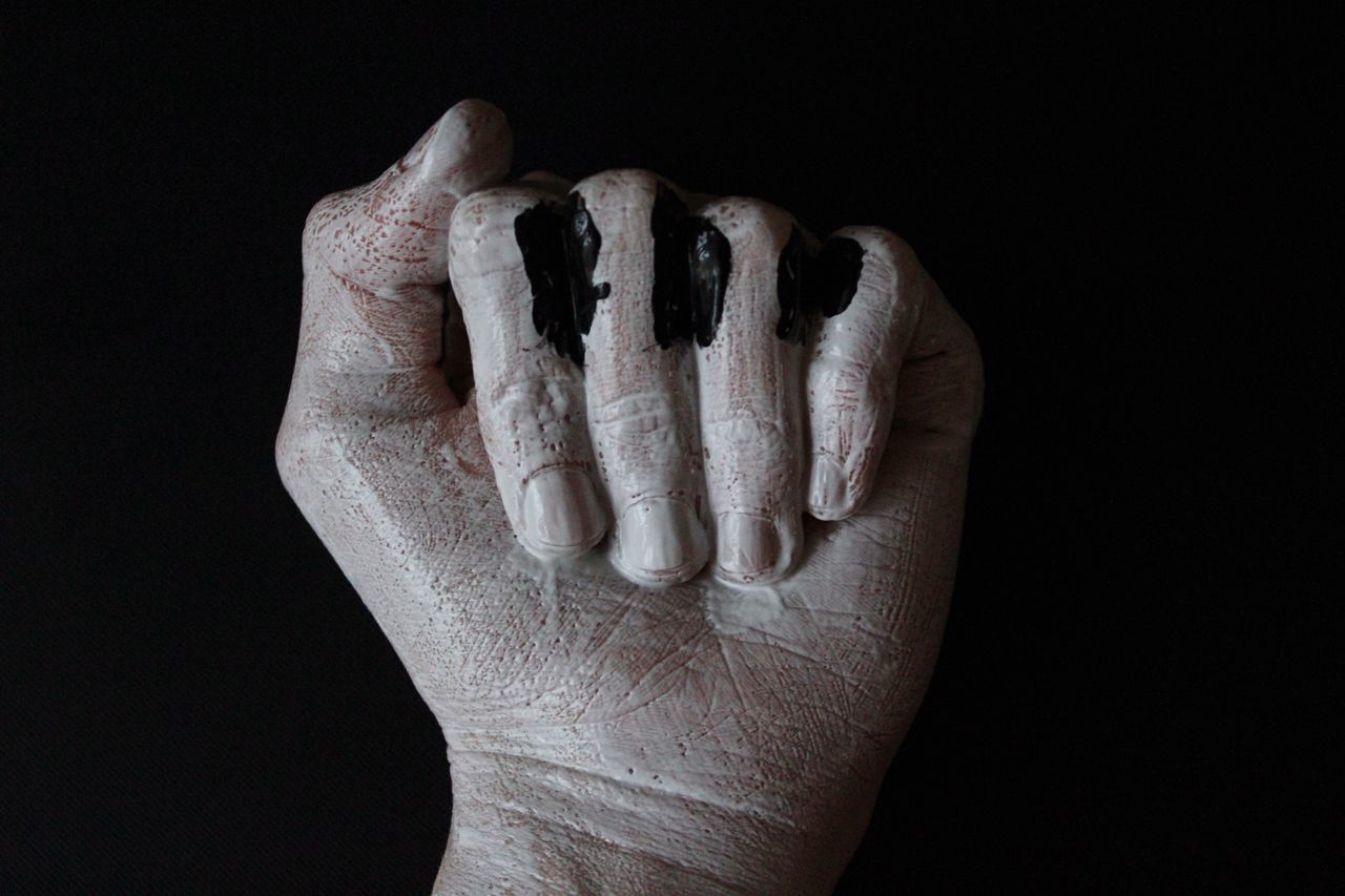 Human Hand Black Background Human Body Part Studio Shot One Person Blackandwhite Black And WhitePeople Paint Studio Photography Model Fingers Abstract Colors Life Bodyart Lifestyles pClose-up-Adults OnlynAdultuPiano MomentsnPianoaStudiodCanonnCreativityity