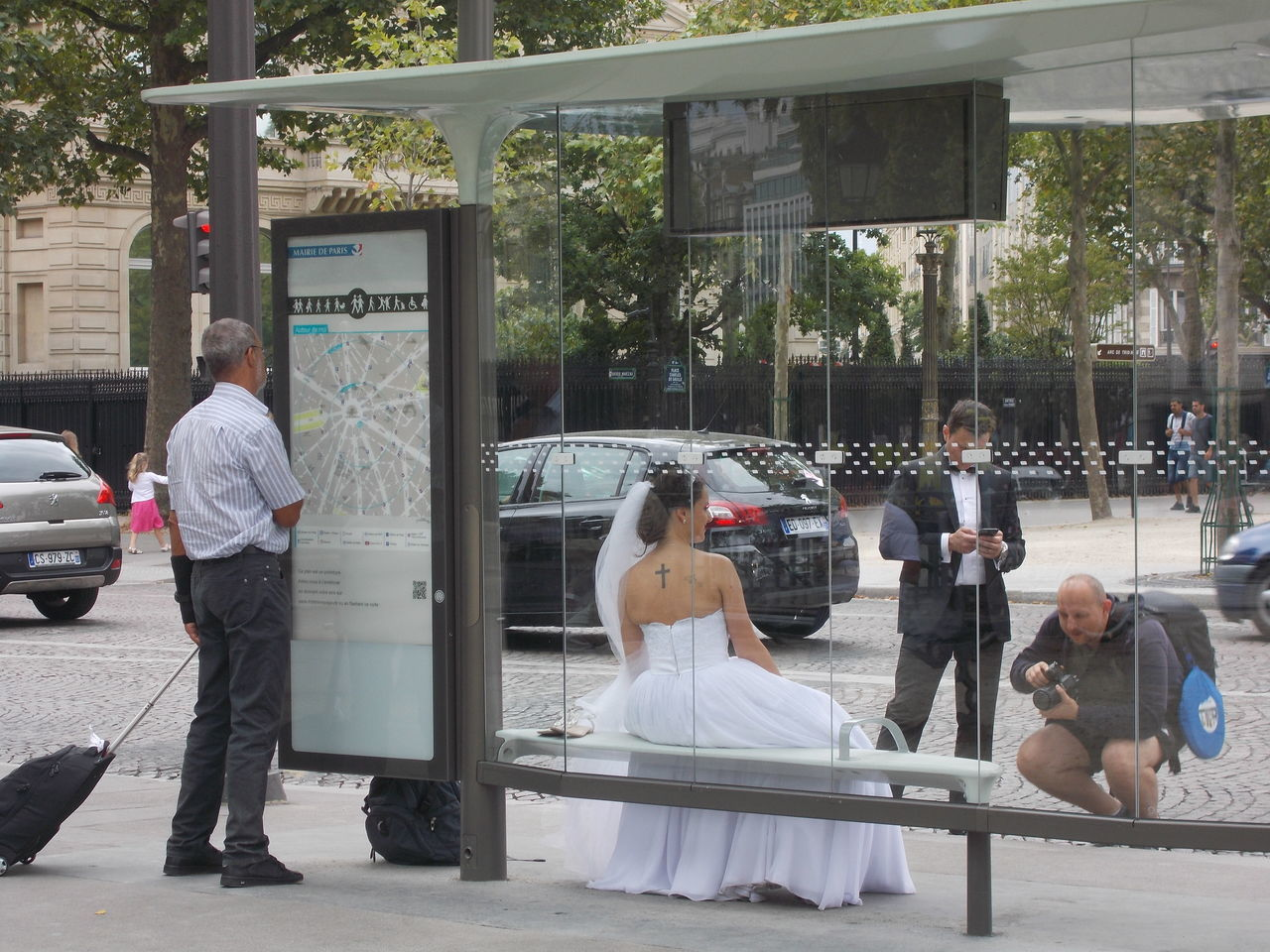 Bride Bus Stop Champs-Élysées  Charles De Gaulle Etoile Map Paris Tatoo Tourist Wedding Wedding Dress Wedding Photographer Wedding Photography Wedding Photos Wedding Photoshoot