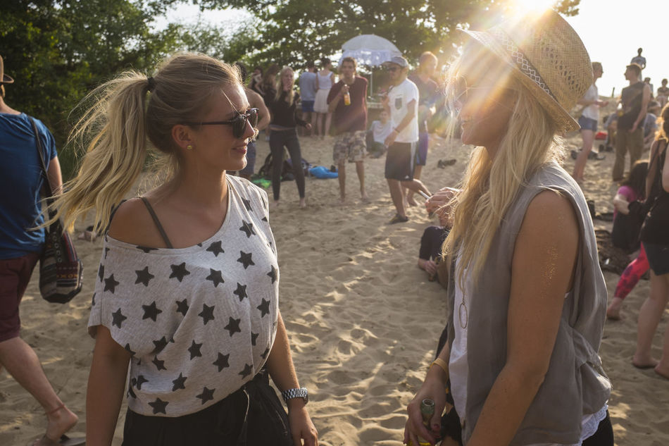 Beautiful stock photos of music festival, Beach, Casual Clothing, Caucasian Ethnicity, Day