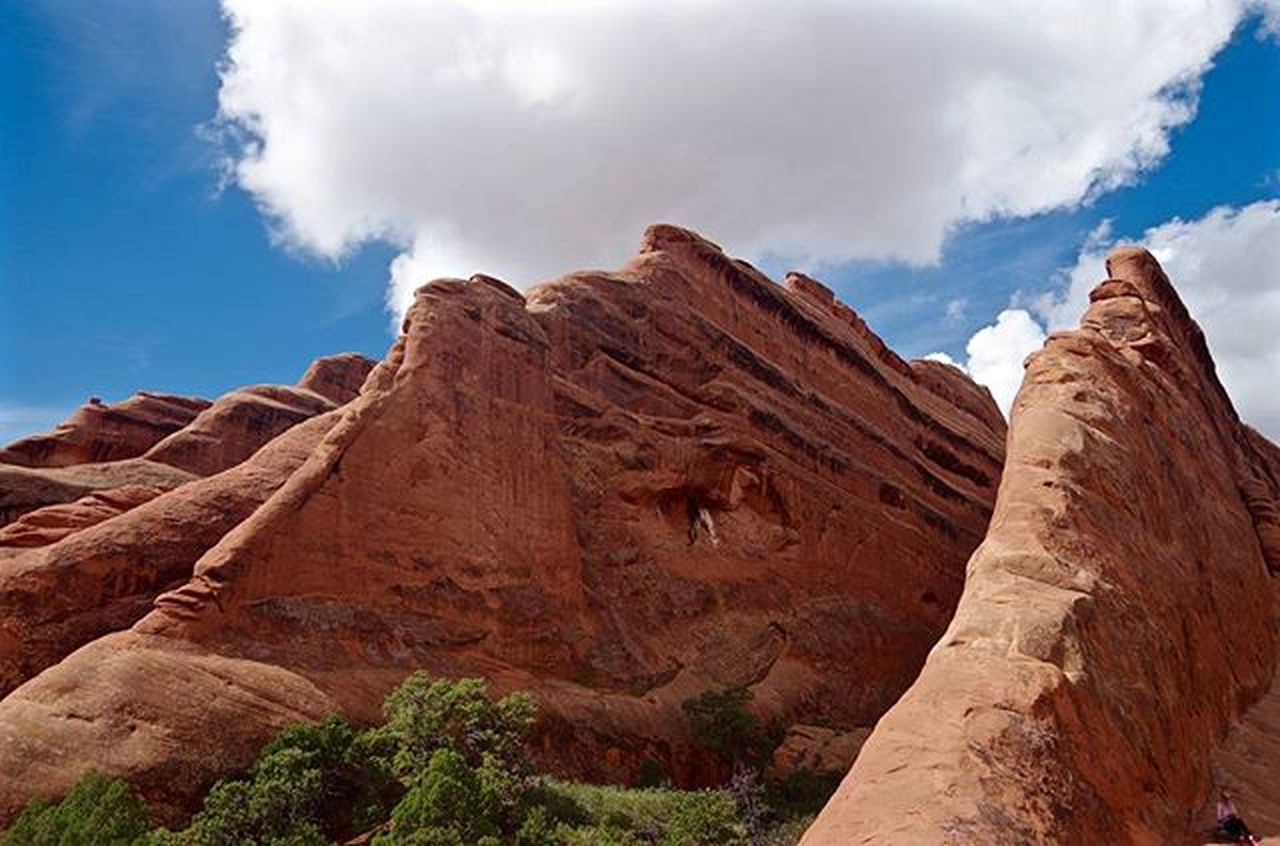 This rock looks like the sinking Titanic. Landscape Godscreation Utahphotographer Utah Moab  RockClimbing Hiking Pentaxk50 Pentax Pentaxcamera Pentaxagram Pentaxiansunite Pentaxiansstandup