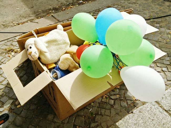 Unrat Dinge Fundsachen Found Items Balloons
