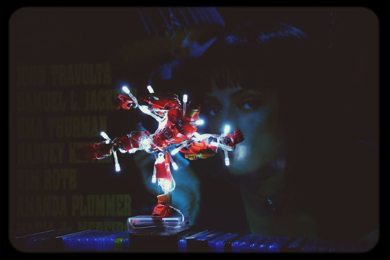 Every year the same, tangled up by the chain of lights. The mainpoint is I stand. The Iron-Xmas-Tree-Man ;) Xmastree Pulp Fiction Ironman Heroes