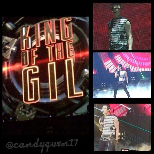 KingOfTheGilConcert Last Last Night Nov29 @enriquegil17