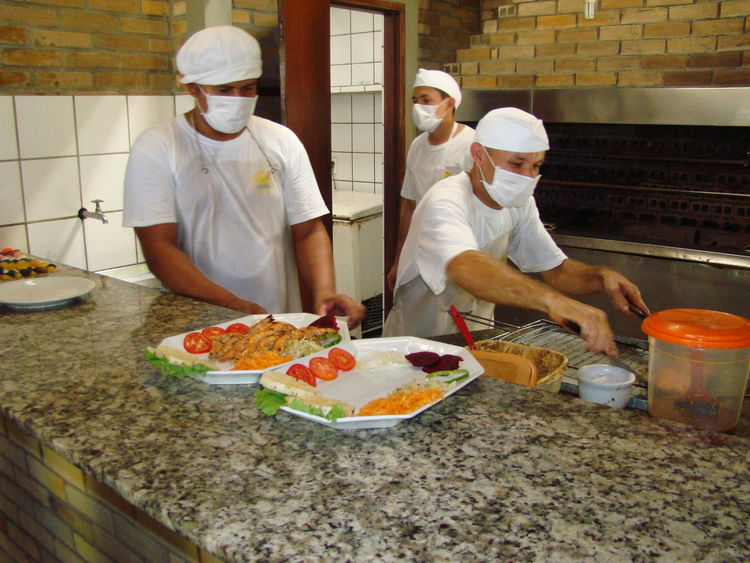 Adult Adults Only Chef Commercial Kitchen Day Food Food And Drink Food And Drink Establishment Freshness Indoors  Only Men People Pizza Ready-to-eat Real People Teamwork Two People