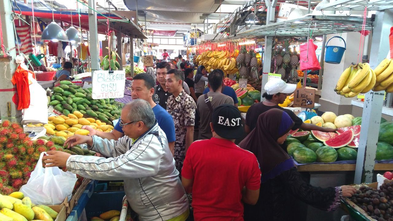 Food Vegetable Market Market Stall Food And Drink Retail  Freshness Healthy Eating Business Finance And Industry Choice Variation Fruit Abundance People Business Healthy Lifestyle Adult Day Outdoors Eating