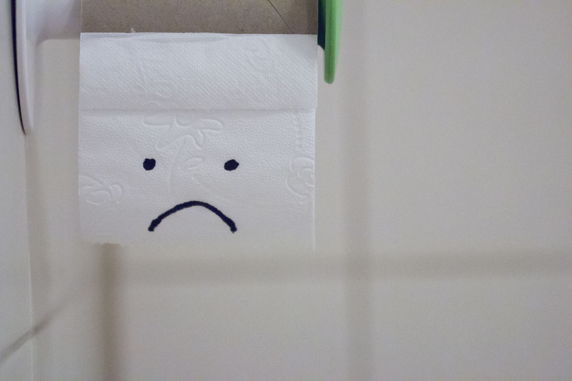 Bathroom Bathroom Pic Close-up Crisis Façade Frown Frowny Face Funny Moments Gray Green Hygiene Indoors  Murphys Law Notoiletpaper PetPeeve Plain Problems Restroom Restroom Picture Smile Toilet Paper Toiletpaper Toilette Toilette Art White