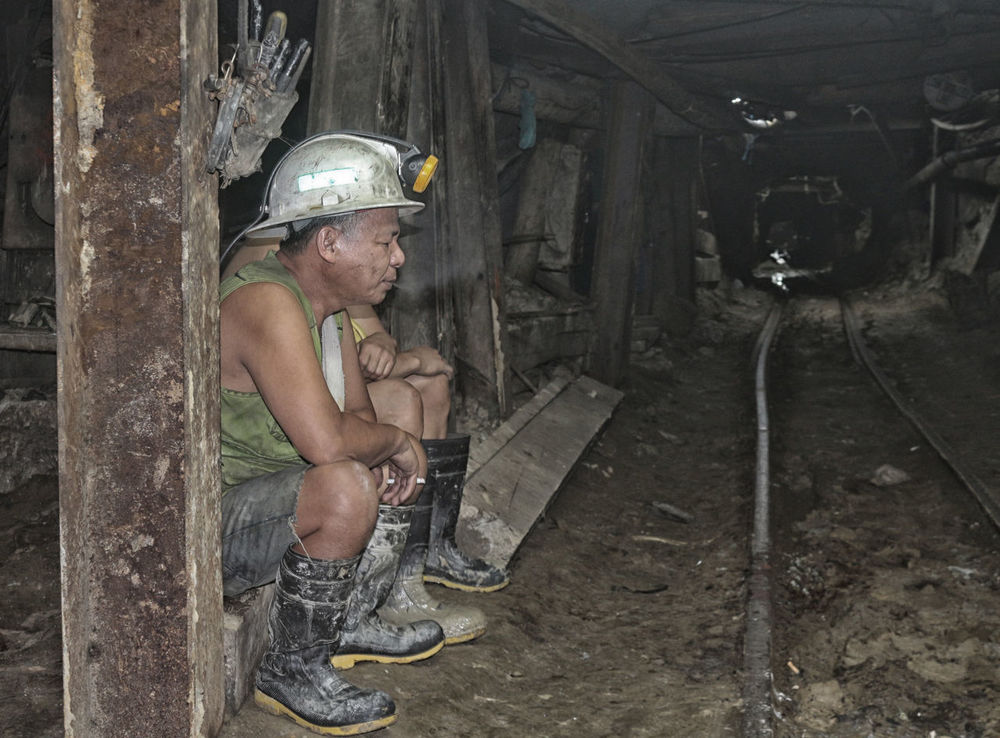 Dungeons and semi-dragons. Baguio City Colors Construction Gold Igorot Relaxing Work Beauty In Nature Day Dirty Engineering Father Geology Indoors  Minimalism Mining People Portrait Rural Scene White