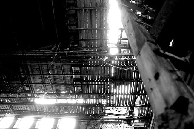 Lost Places Kulturhaus Zinnowitz Blackandwhite Lostplaces Vergänglichkeit Verlassene Orte Abandoned Blackandwhite Photography Black & White Light In The Darkness Light