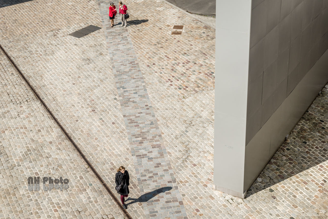 Architecture Art D800 High Angle View Lifestyles Nhphoto Nikkor Nikon Outdoors Pedestrian Real People Walking Women