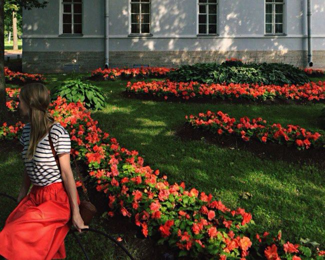 Red Green Garden Hello World Enjoying Life Elagin Island Saint Petersburg IPhoneography Girl