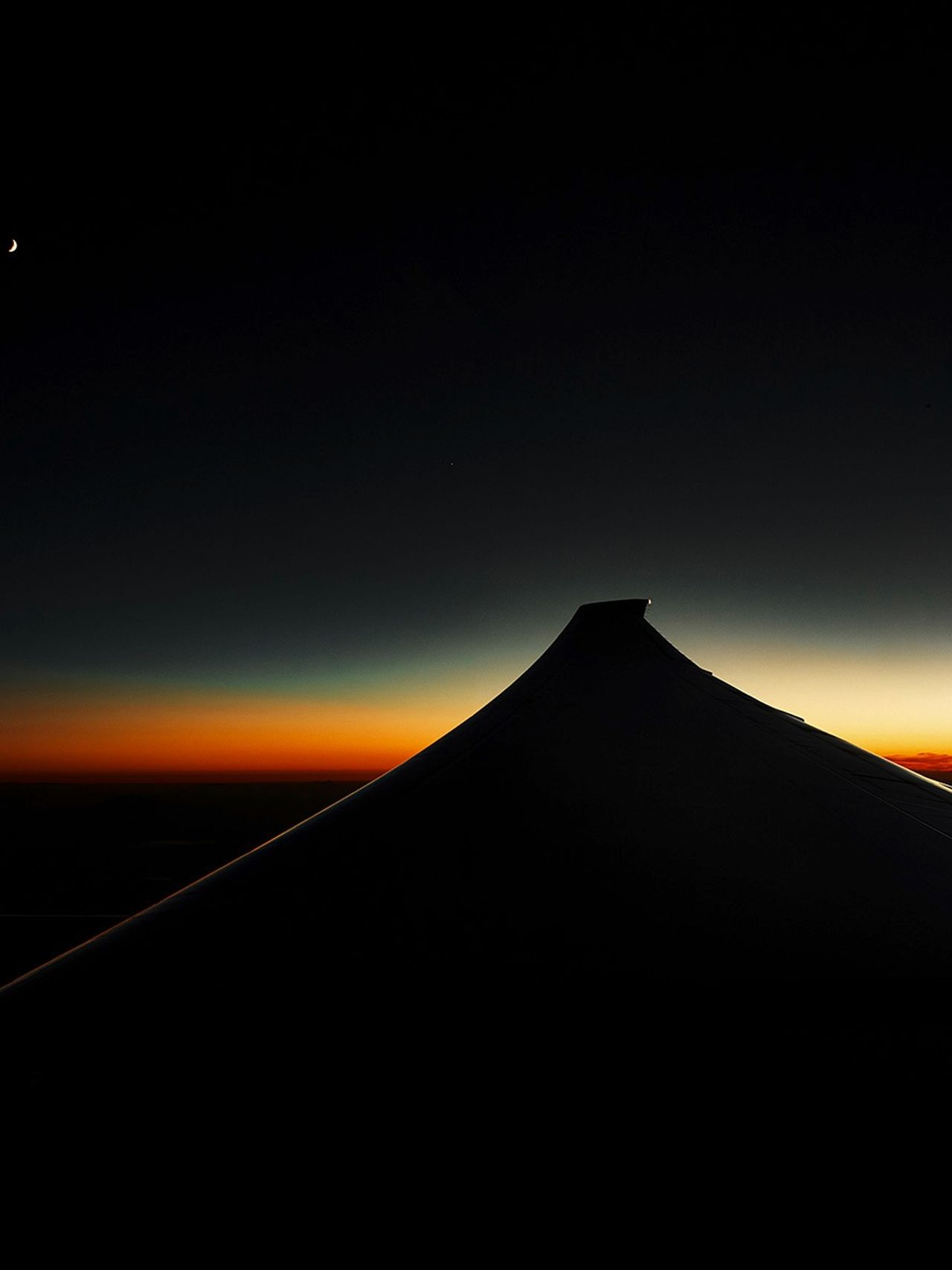 Good Night Travel Emirates Bedaschmid Platinum Dxb-nrt Dream Sunset Over The Clouds