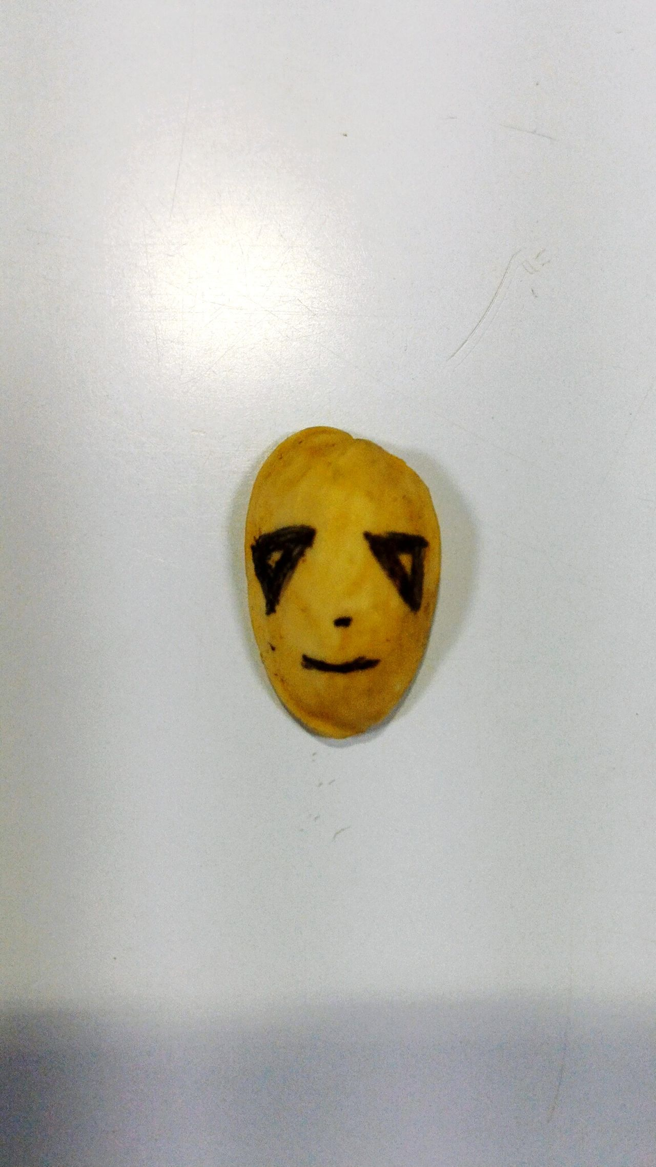 My right brain compelled me to do this creativity after having a pista Smiley Face Anthropomorphic Smiley Face No People Indoors  Close-up Anthropomorphic Day Pista Pistachio Pistachio Nuts Cover Foodart Food Hashim7s