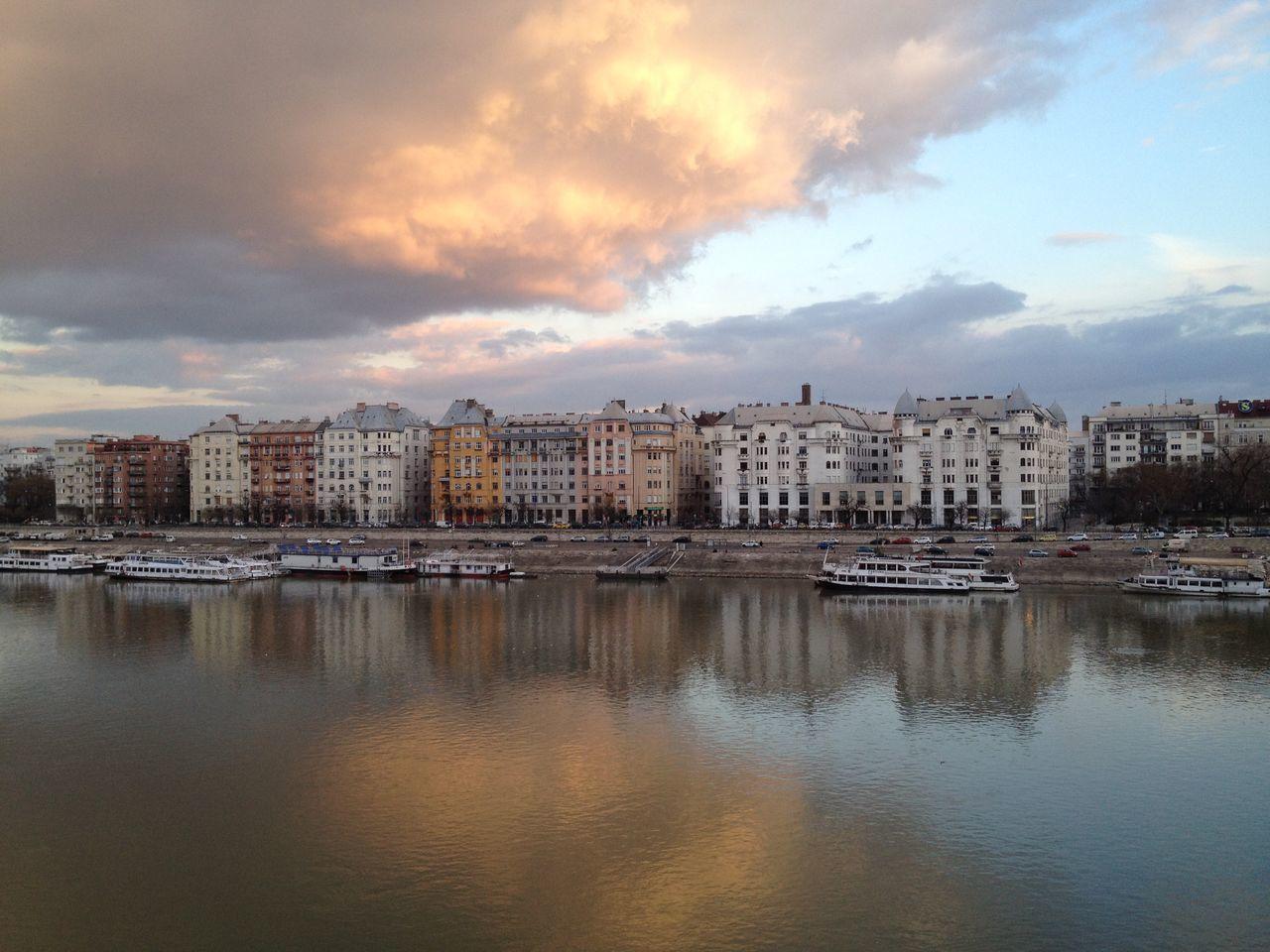 Budapest, Hungary Margitsziget Margit Hid épületek Duna Hello World Felhők