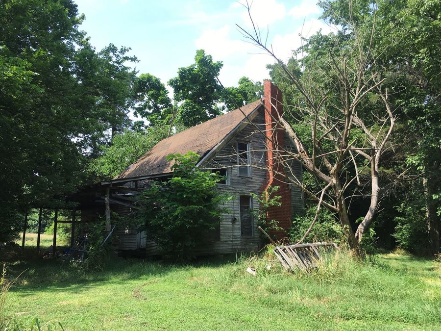 Old House Arkansas, USA Old Fireplace Fireplace Tree Architecture Sky Outdoors Nature Day Green Color Grass Beauty In Nature Building Exterior No People House Arkansas Outdoors Arkansas Beautiful