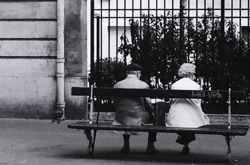 Reallove Paris Surlesbancspublics France Romantic Blackandwhite Monochrome