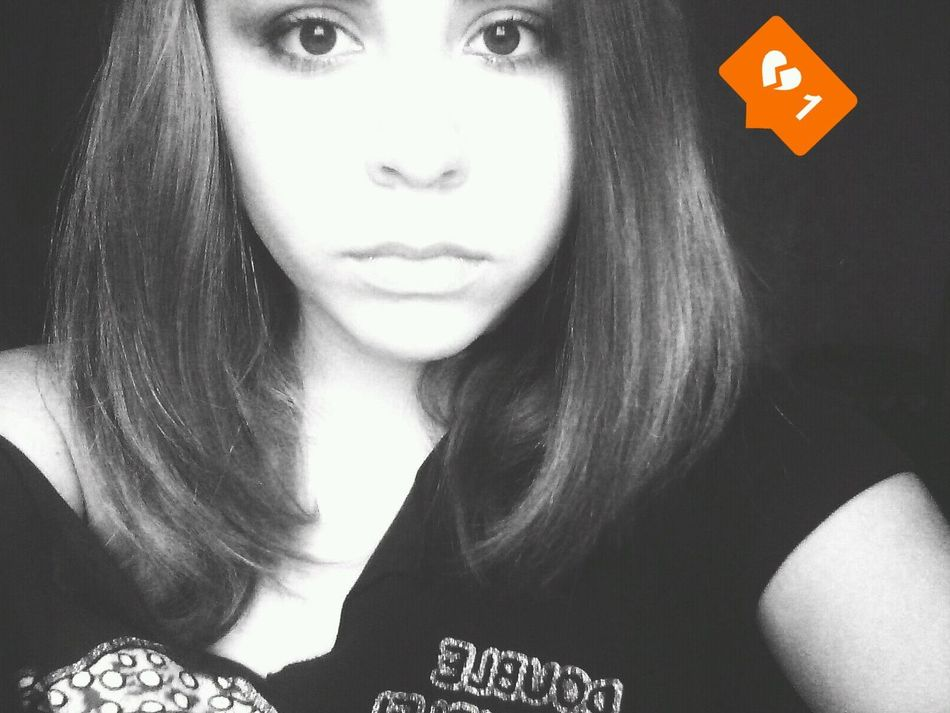 GiddyLizer Selfi Black&white
