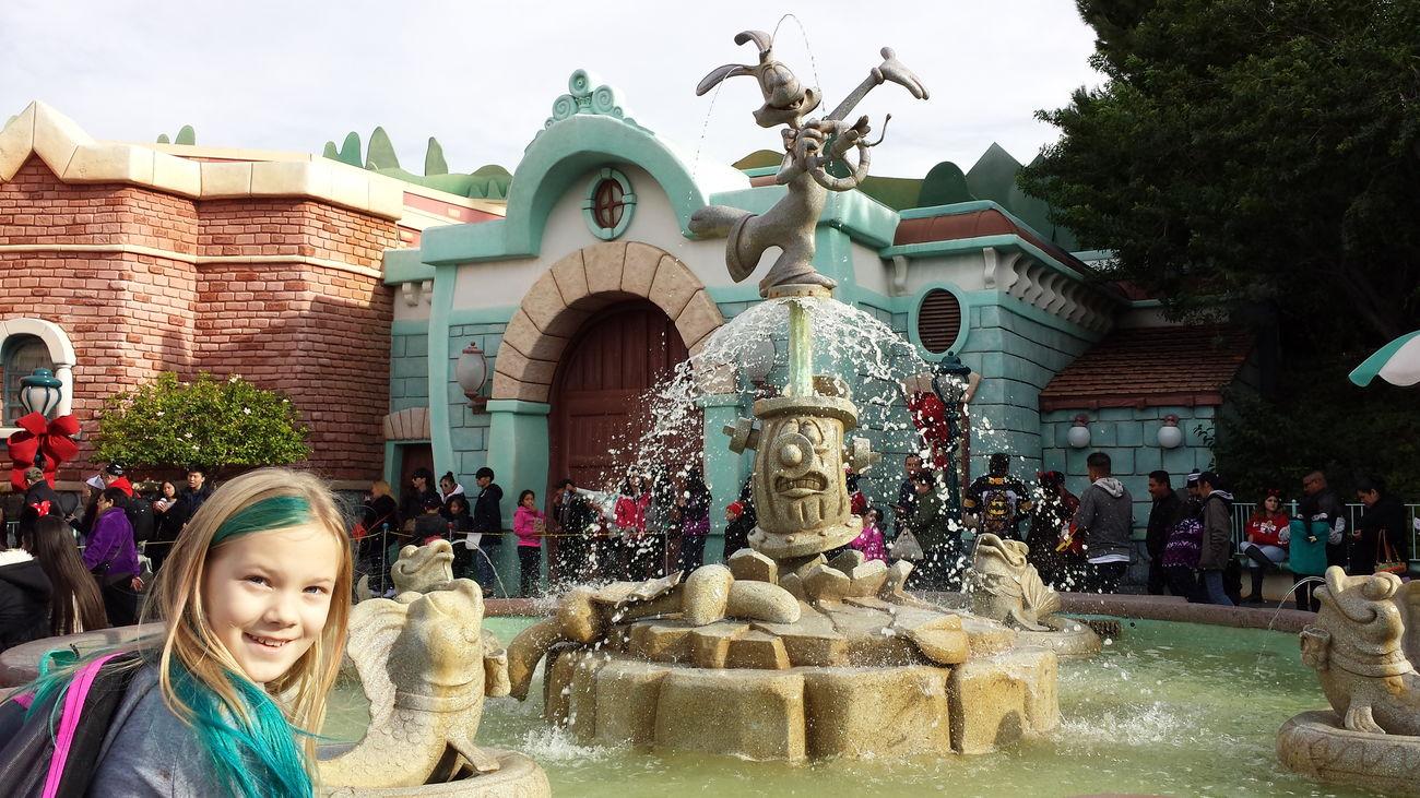 Vacation Disneyland My Children My Daughter ♥ Toontown Fountain