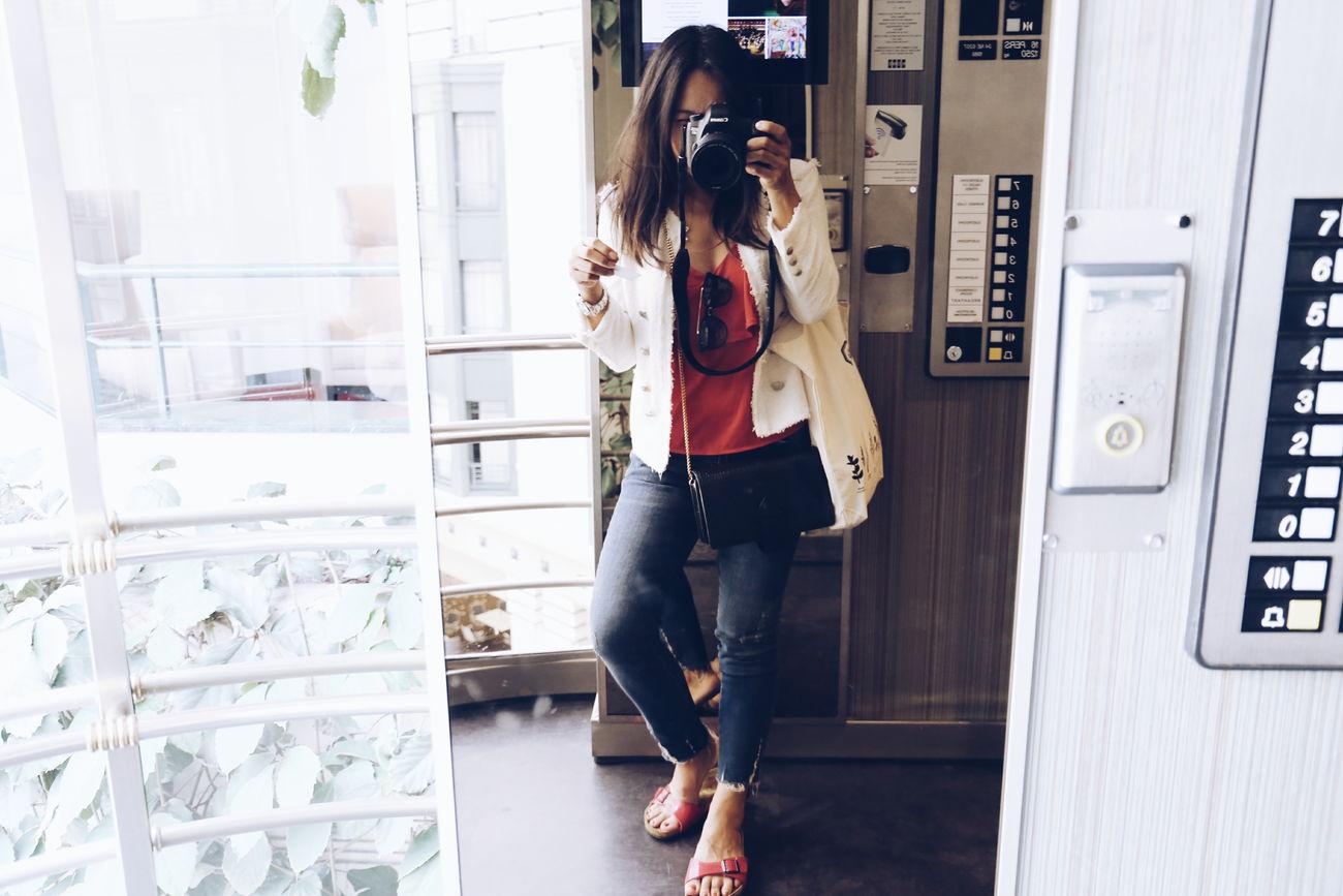 🤗 Selfie ✌ Standing Indoors  Elevatorselfie Eyeemphotography People Only Women Adult Indoorsphotography Human Body Part Women Fashion Travel Photography Travel Destinations Indoors