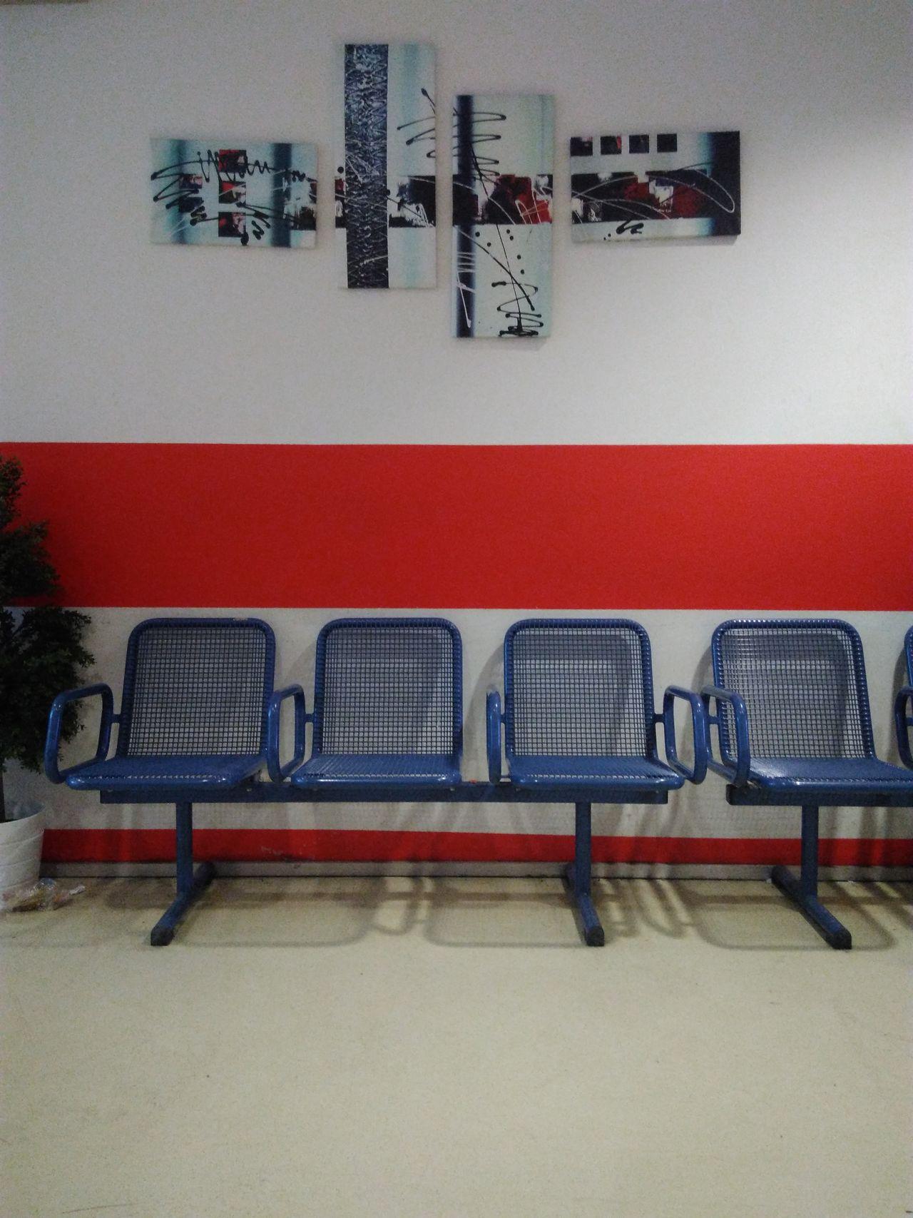 Warten Waiting Sitze Seats Bilder Pictures Blue Blau Wien Vienna Erdberg Zob  Wartehalle Indoors  No People Chair