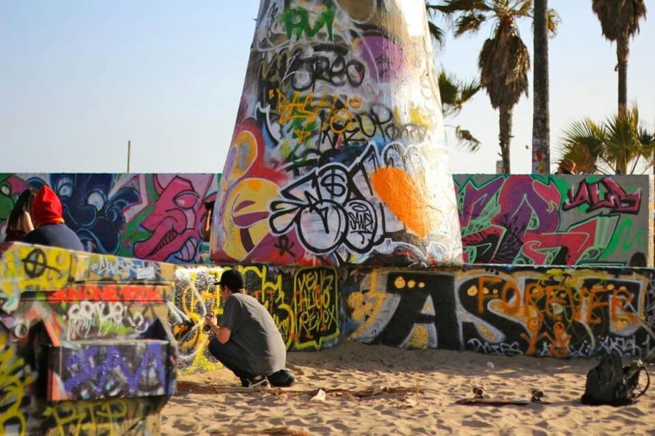 Graffwalls Taking Photos Relaxing Hanging Out Photography Enjoying Life Beautiful Palm Trees Venice Beach Venice Boardwalk