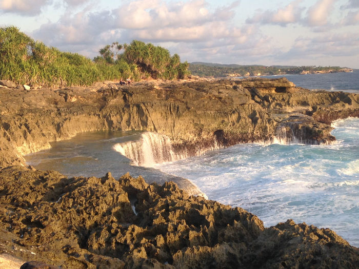 Devil's Tears at sunset, cliffs over the sea, Nusa Lembongan, Bali, Indonesia Bali Bali, Indonesia Beach Beauty In Nature Cliffs Cloud - Sky Devil's Tears Island Landscape No People Nusa Lembongan Ocean Paradise Scenics Sea Tourism Tranquility Travel Travel Destinations Travel Photography Traveling Vacation