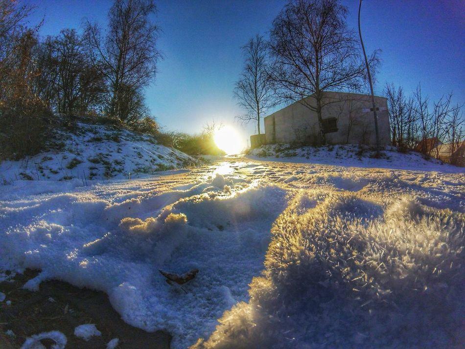 Shadows & Lights Sun Sunshine Snow Goprohero4 Goprooftheday Goprophotography Snapseed Gopro Gopro Session Winter Winter Wonderland Cold Sunset EyEmNewHere