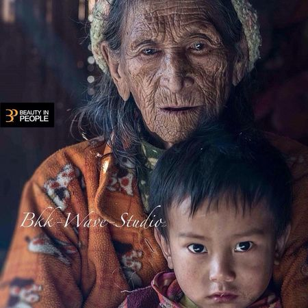 115 years old Rawan woman from the last village of Myanmar. Enjoying Life Taking Photos Check This Out Cheese! Potrait_photography Bkkwavestudio Travel Photography First Eyeem Photo The Portraitist - 2017 EyeEm Awards