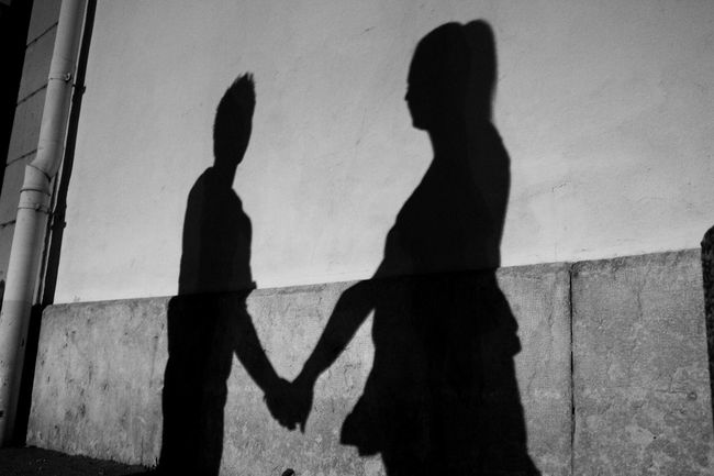 Love Black And White Creativity Focus On Shadow Love Outline Shadow Street Streetphoto_bw Streetphotography Sunlight Togehter Wall - Building Feature