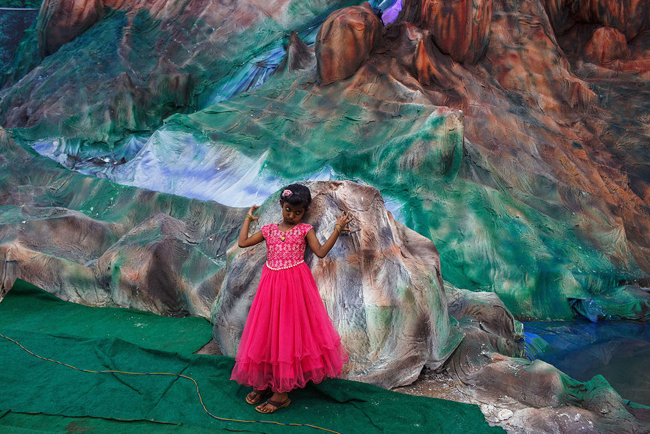 A new photo from my recent stay in South India. A young girl in a pink dress in an amusement park in Thrissur, Kerala state, India. India Kerala Streetphotography Outdoors Street Photography Travel Photography Moment Thrissur