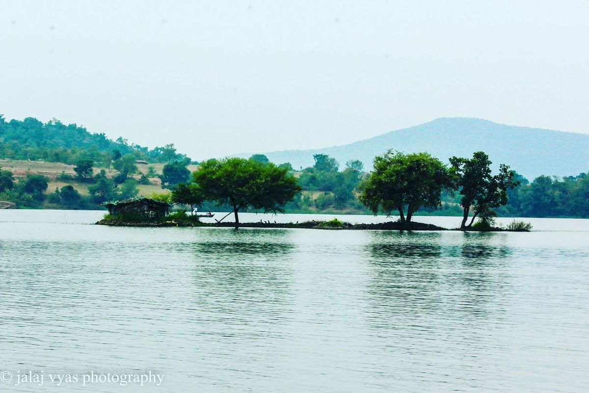 Indiapictures Indiantourism MP Tourism Indore Inthelapofnature Lake Choral Dam Boating Jalaj