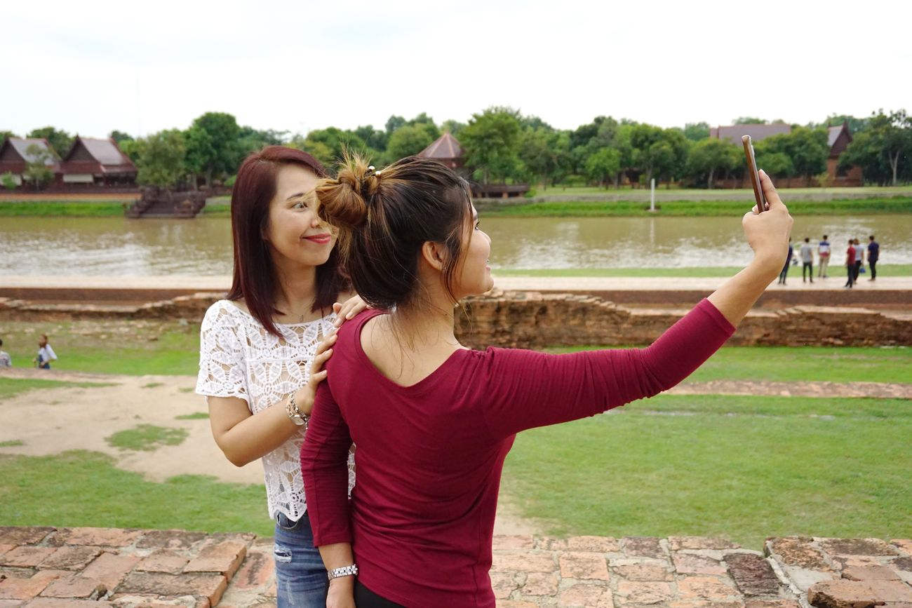 Mobile Conversations Happiness Friendship Two People Smiling Selfie Positive Emotion Thailand