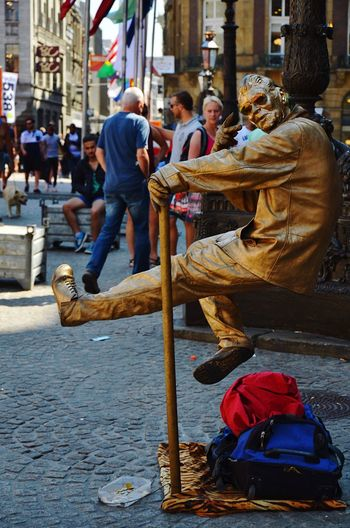 Peace! Act Gold Golden Goldenman Levitation Lifestyles Magic Peace Performance Real People Show Street Street Performance Streetphotography