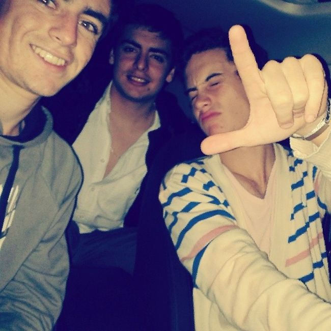 Gordo Loba Car auto night