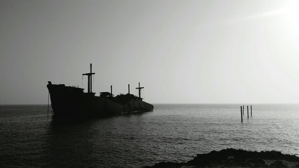 Shades Of Grey Shipwreck Guesswhere Blackandwhite Allgrey Ocean View