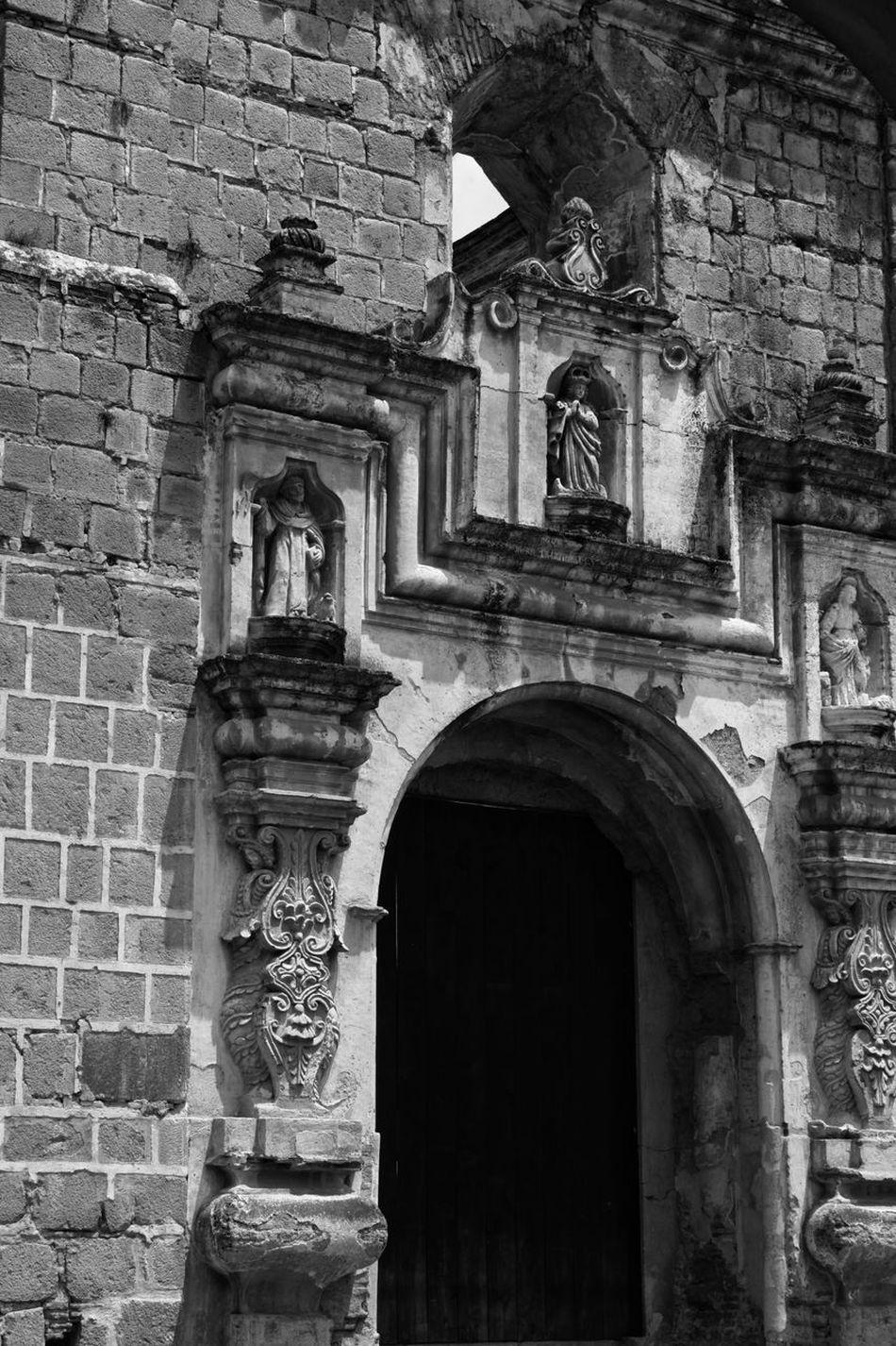 Architecture Built Structure Arch Building Exterior Facade Building Travel Destinations Religion Cultures Travel Famous Place History Day Monument City Blackandwhite