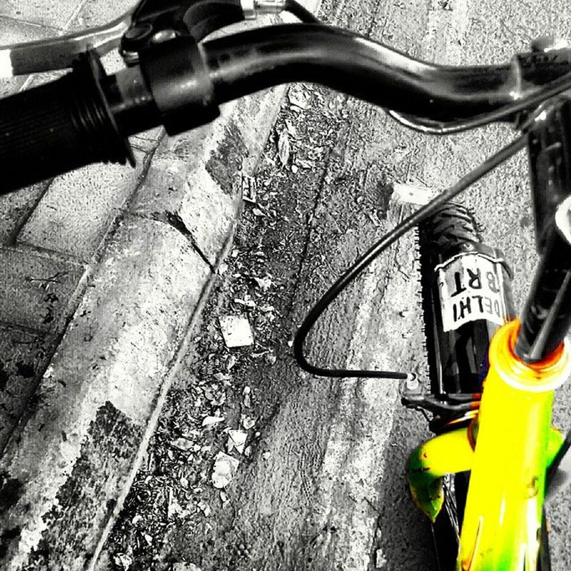 around the Delhi on bicycle.Weekend Sunday Planetgreen Gogreen Itraveliclick India_and_me Capital Delhi Newdelhi Centraldelhi _soi @streets.of.india Itraveliclick Instagram NETGEO Indian Punjabi @vsco.india Vsco_spotlight