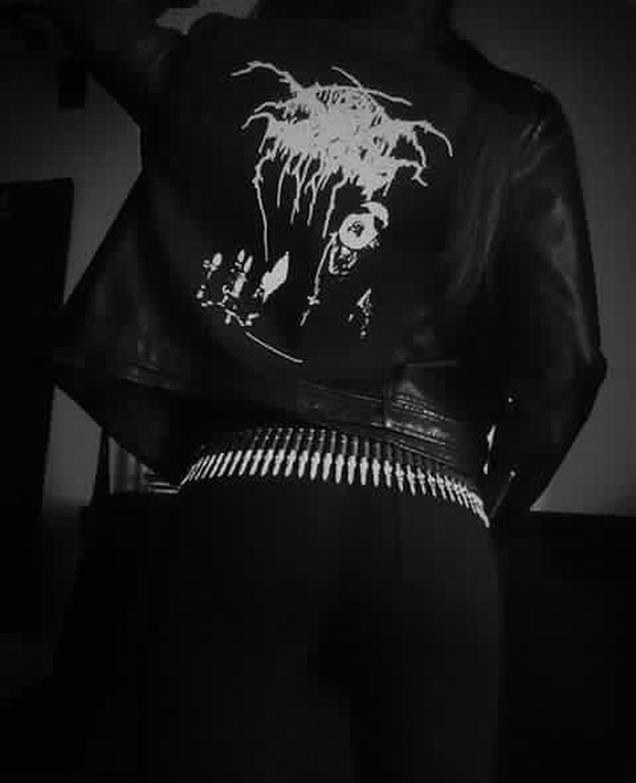 Jacket in progress Metalhead Leather Jacket Chiodo Parche Darkthrone Metalasfuck Ilovemetal Metal Art Thebestmusic LiveMusic Blackjacket Blackmetal Blackmetalgirl Blackmetalstyle Darkstyle DarkStyle ❤