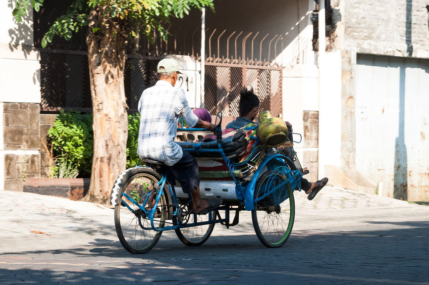 Punk Becak Bicycle Mode Of Transport Outdoors Punk Rear View Street Street Photography Streetphotography Sunlight Transportation The Street Photographer - 2016 EyeEm Awards