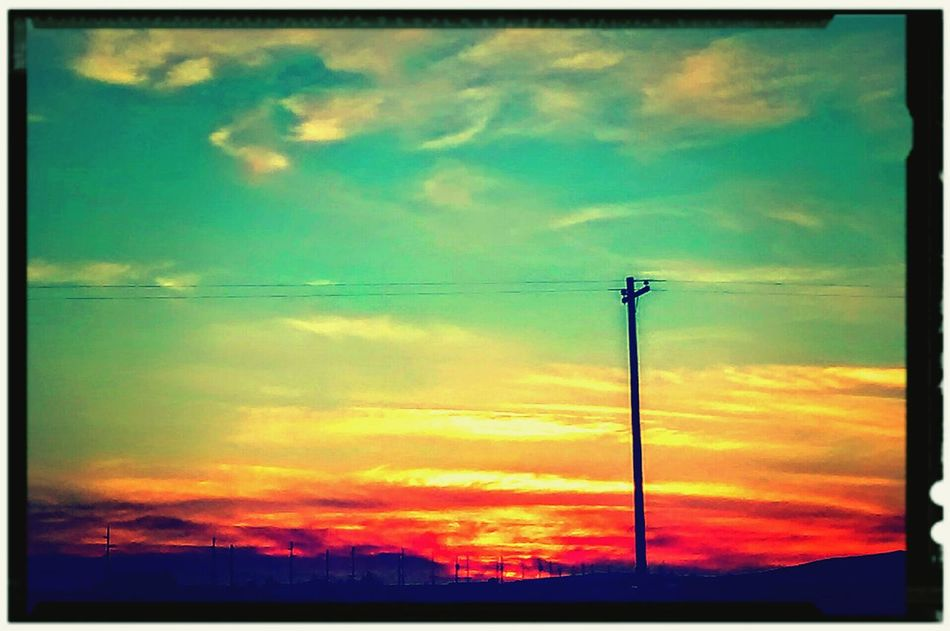 Another view Out My Front Door of an Awesome Sunset. using different Effects & Filters I can enhance the Color and make it Pop. Cloudporn Sky Skyporn Clouds And Sky Sunset_collection Sunsetporn Sky_collection Check This Out Awesome_shots Coolpic Outside Photography Evening Sky February 2016