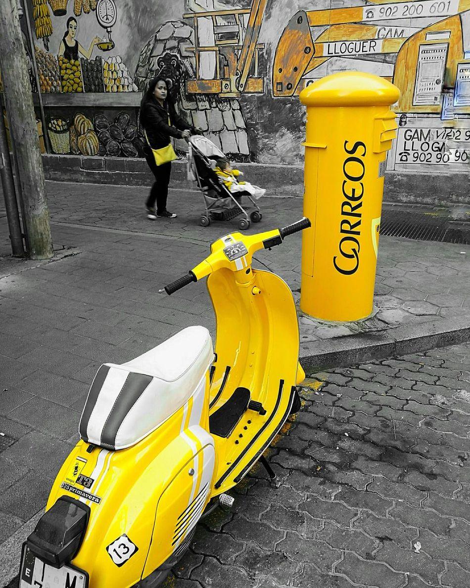 Yellow Motorcycle Photography Motor Scooter Motorcycle Lover Motorcyle Yellow Taxi Yellowday Yellow Color Post Office Postcard Tarragona Paradise CommunicationTarragonaturisme Tarragona correos