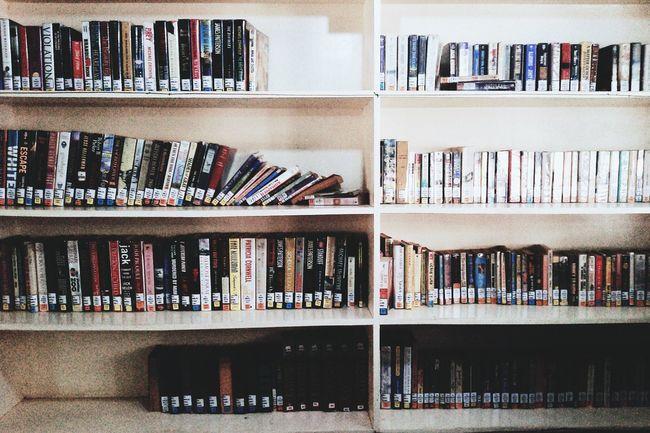 Books To Read Bookshelf Books ♥