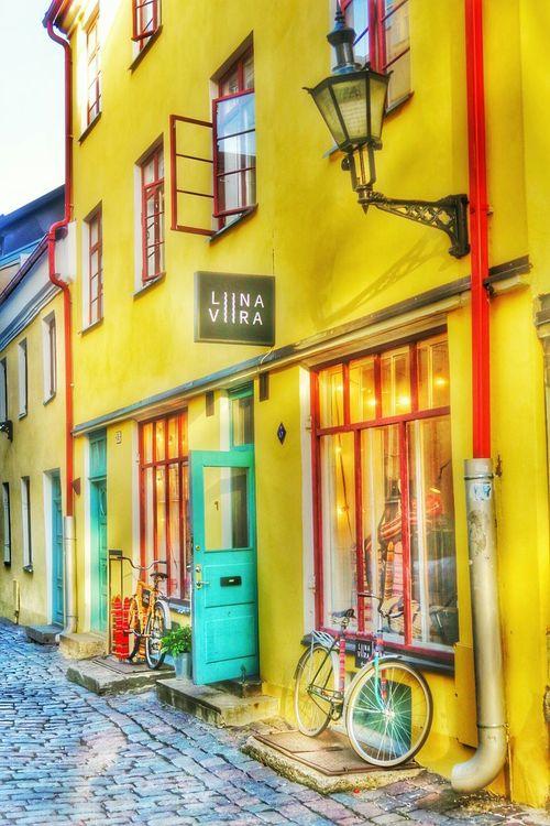 Liina Viira Baltic Cobblestones Steetphotography G7x October2015 Tallinn Estonia Old Town Window Shopping Autumn Walking Around