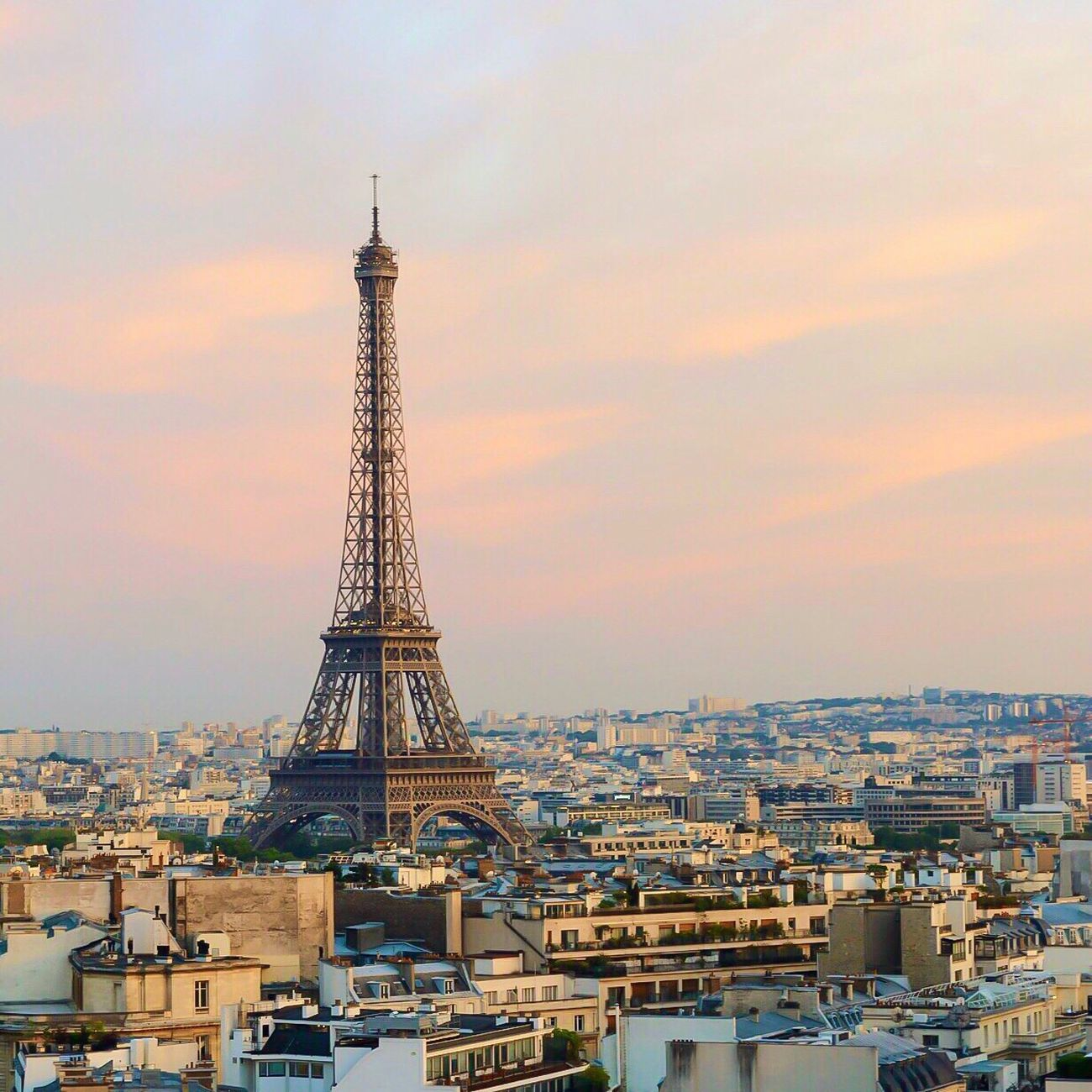 Good Evening Paris! Bonsoir Paris Architecture Sky Sunset Paris ❤ Eyem Best Shot - Architecture Photooftheday Paris Parisweloveyou EyeEm Best Shots Cloud - Sky Eiffel Tower Tour Eiffel