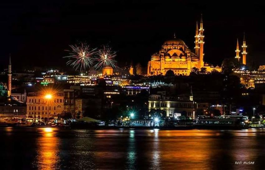 İstanbul'un gecesi bir harika... Istanbul Istanbullovers Istanbulove Istanbul Turkey Istanbulcity Mosque Illuminated Night Building Exterior Architecture Water Waterfront Built Structure River Reflection Firework Display Firework - Man Made Object Travel Destinations Sky Outdoors Tourism Exploding Sparks Riverbank City Life