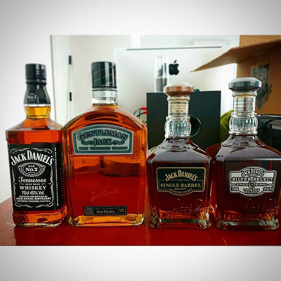 Jackdaniels Gentlemanjack Singlebarrel Silver  bourbonwhiskeycollectiondrinkamericanwhiskey