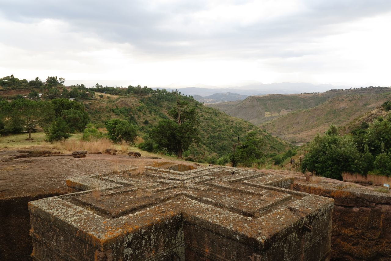 Bet giyorgis Beauty In Nature Bete Giyorgis Church Day EthiopianOrthodox Famous Place Lalibela Ethiopia Landscape Monolith Monument Mountain Nature No People Outdoors Rock Church Rural Scene Scenics Sky Tree