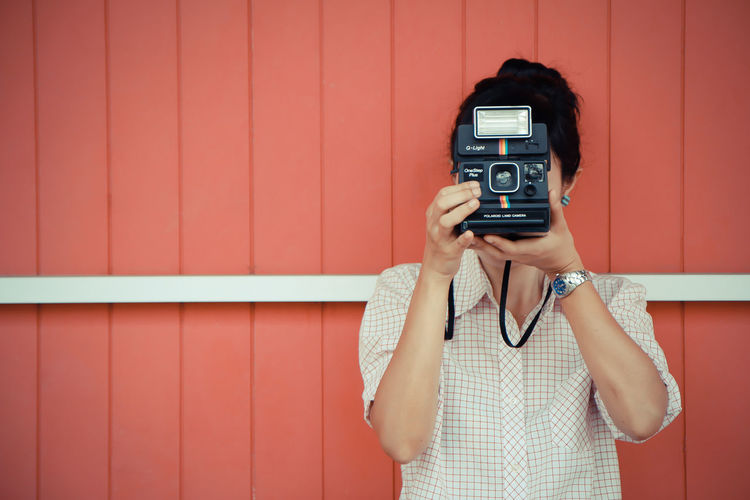 Adult Adults Only Beautiful People Beauty Camera - Photographic Equipment Day Filming Holding Home Video Camera One Person Outdoors People Photographer Photographing Photography Themes Polaroid Polaroid 600 Polaroid Art Polaroid Camera Polaroidcamera Women Young Adult Young Women