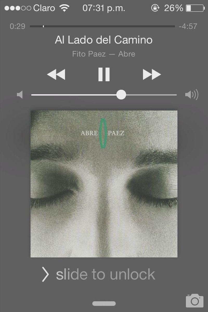 """"""" me gusta estar al lado del camino, fumando el humo mientras todo pasa, me gusta regresarme del olvido, para acordarme en sueños de mi casa, del chico que jugaba a la pelota del 49585"""" - Fito Paez Fito Paez Quote Argentina Music"""