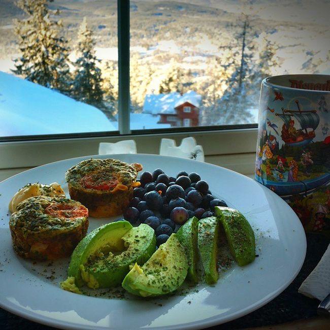 Mountain Lunch Paleo Avocado Eggmuffin Oslo Norway